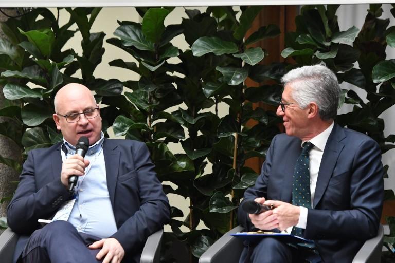 Stefano Arcobelli (Gazzetta dello Sport) con il moderatore Lorenzo Dallari