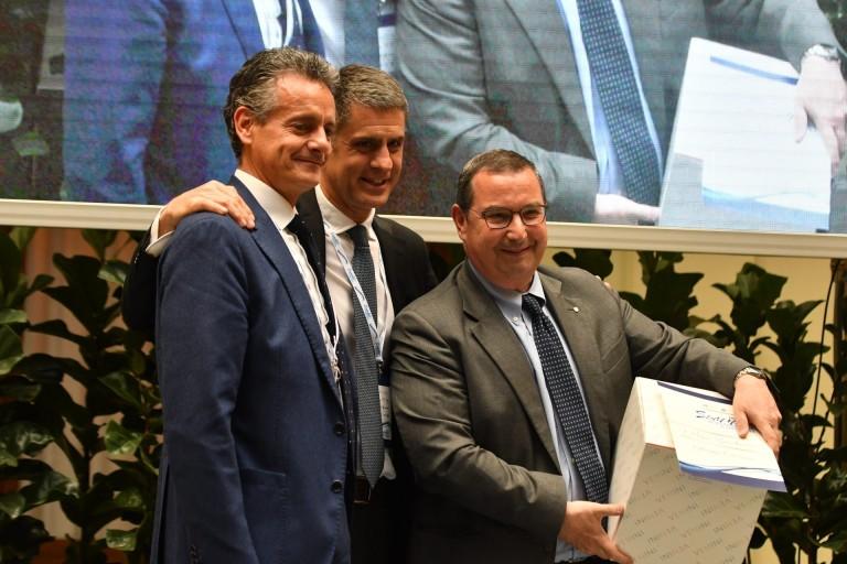 Giuseppe Castagna premiato da Marco Tornatore (Vicepresidente Acquanetwork) e Fabrizio Rampazzo